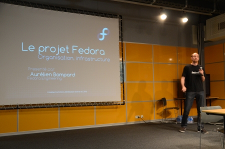 Aurélien Bompard presenting the Fedora distribution